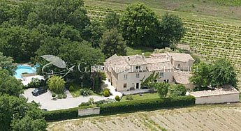 [G. Immobilier de Prestige] A 13 roofs country house