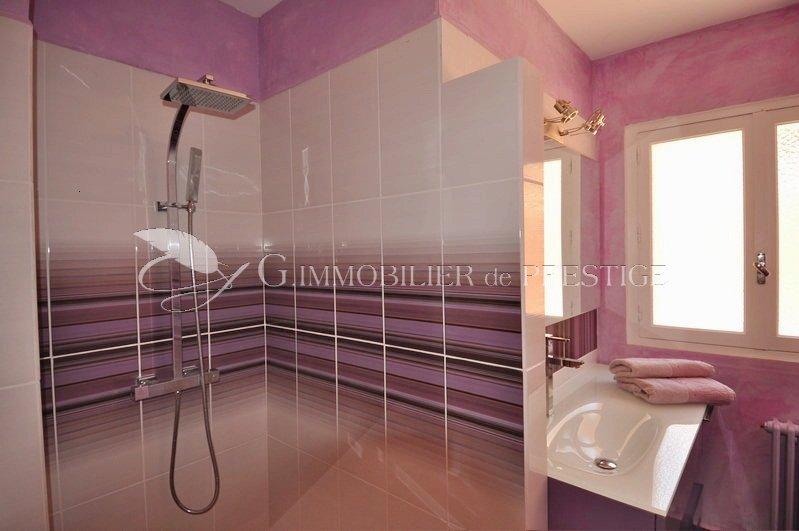 Vaucluse villa prestige louer avec piscine chauff e for Piscine miroir vaucluse