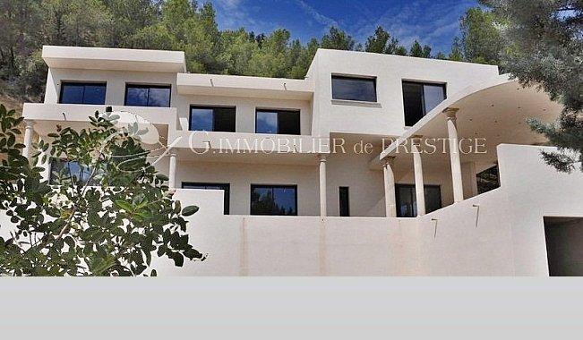 Immobilier prestige : Vaucluse,villa contemporaine en cours de ...