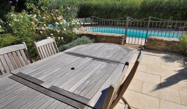 Immobilier prestige vaucluse monteux villa avec piscine for Piscine miroir vaucluse
