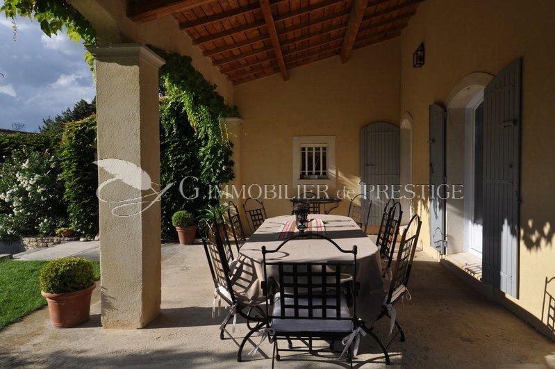 vaucluse une villa de charme locations saisonni res immobilier prestige