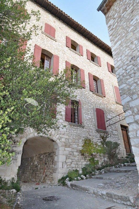 Vaucluse maison de village appartements et h tels for Appartements et maison meudon