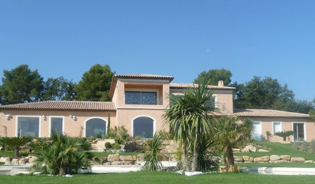 Immobilier prestige superbe villa mougins locations for Location immobilier prestige