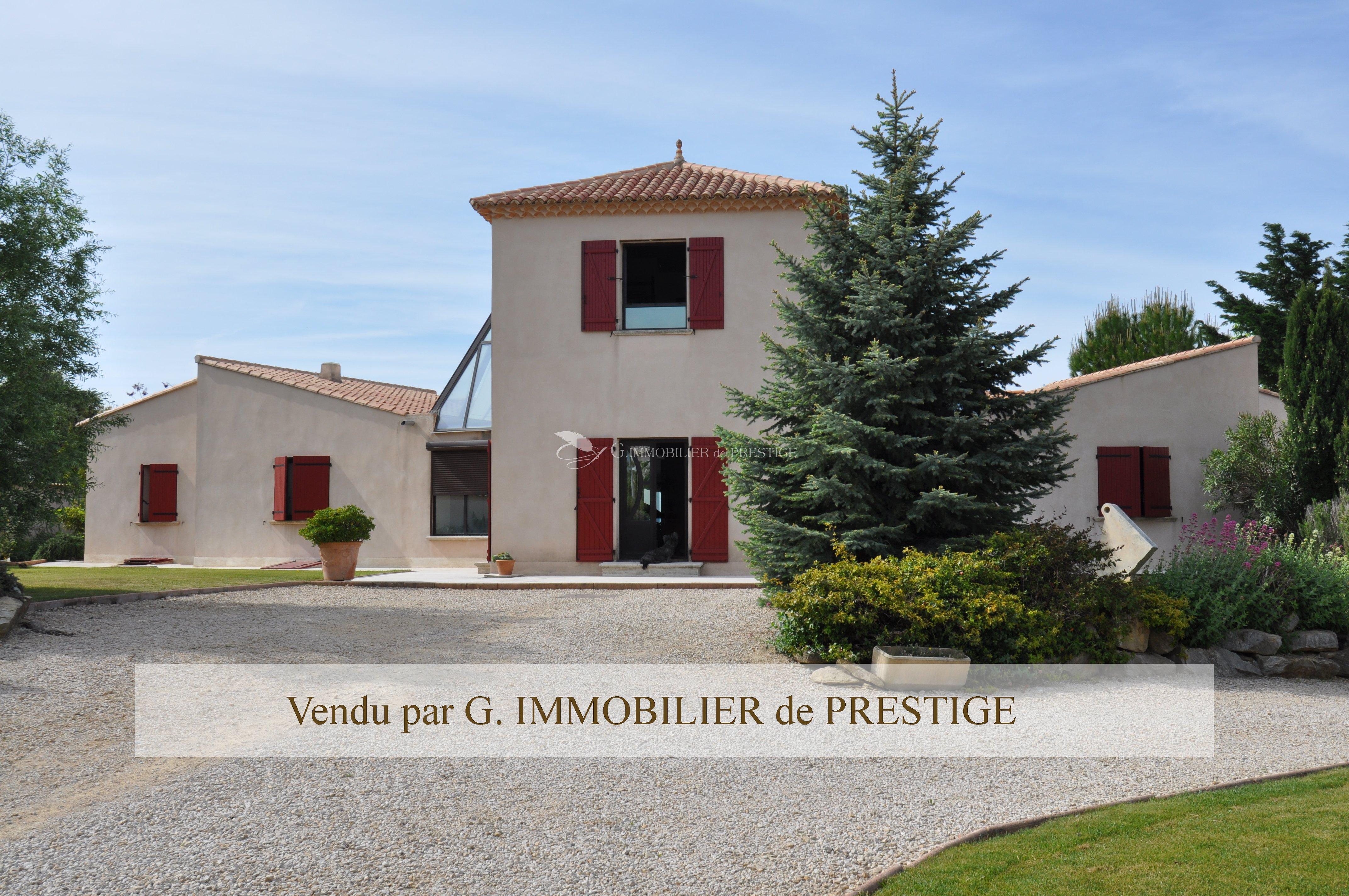 immobilier prestige vaucluse caromb villa d 39 architecte villas et maisons de village. Black Bedroom Furniture Sets. Home Design Ideas