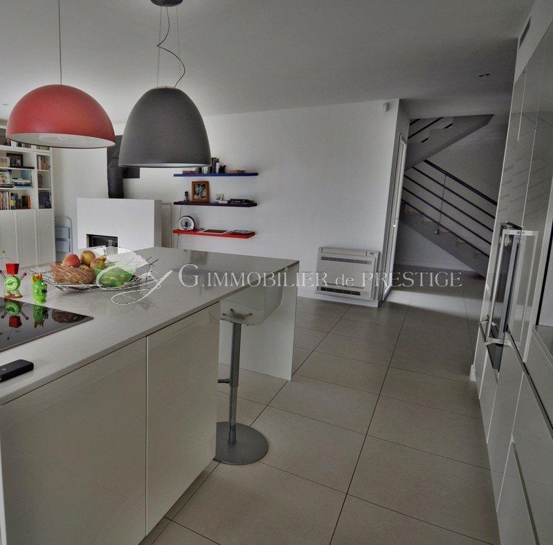 Immobilier prestige : Vaucluse,Avignon, villa contemporaine : Villas et Maisons de village