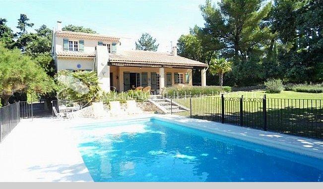 Immobilier prestige vaucluse isle sur la sorgues villa for Villa et prestige