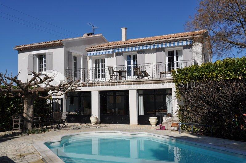 Vaucluse isle sur la sorgues villa villas et maisons de for Villa et prestige