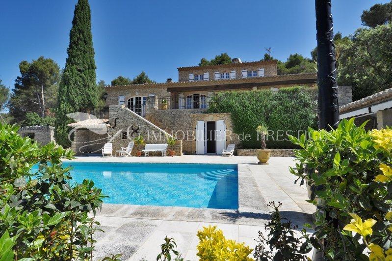 Vaucluse luberon villa prestige villas et maisons de village immobilier prestige for Achat villa de prestige