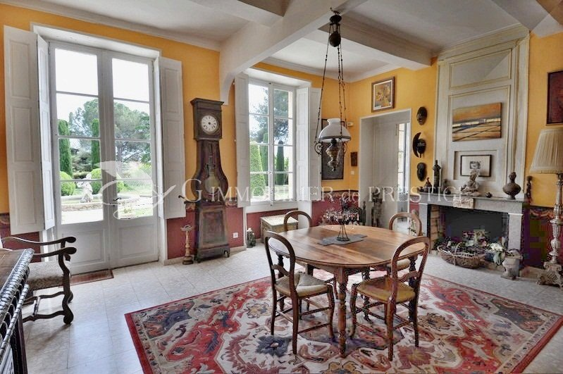 Houses and mansions french real estate prestigious for Interieur 18eme siecle