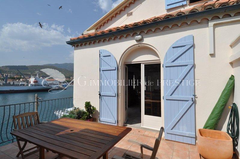 Immobilier prestige vente de prestige port vendres maison sur le port villas et maisons de for Achat villa de prestige