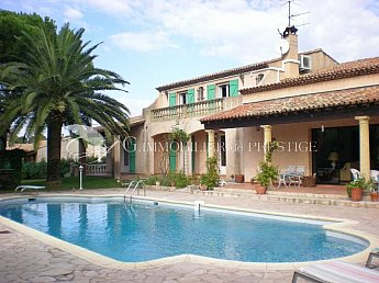 [G. Immobilier de Prestige] Beautiful Provensal Bastide at 2 mn from the Village