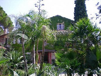 [G. Immobilier de Prestige] AT 10 MN FROM THE SEA AND 5 MN FROM CITY CENTRE OF FREJUS