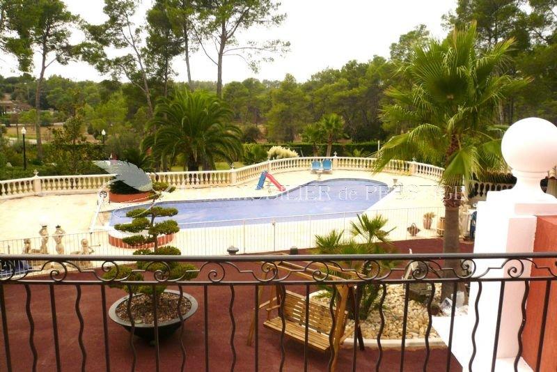 Immobilier prestige var puget sur argens vente prestige for Caca dans une piscine