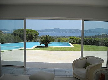 [G. Immobilier de Prestige] Contemporary property with panoramic view over the Gulf of St-Tropez