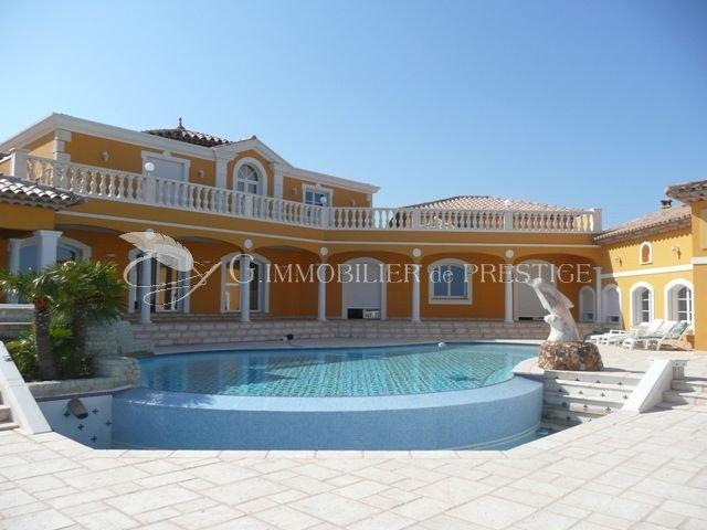 Var les issambres villa d 39 exception villas et maisons for Villa et prestige