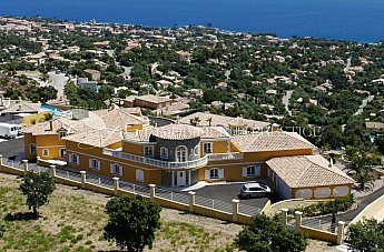 [G. Immobilier de Prestige]  EXCEPTIONAL LUXURIOUS PROPERTY OVERLOOKING THE SEA