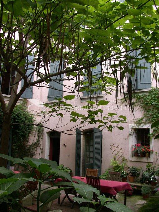 Vaucluse carpentras h tel particulier appartements et for Maisons et appartements magazine