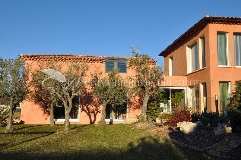 immobilier prestige vaucluse mazan villa d 39 architecte villas et maisons de village. Black Bedroom Furniture Sets. Home Design Ideas