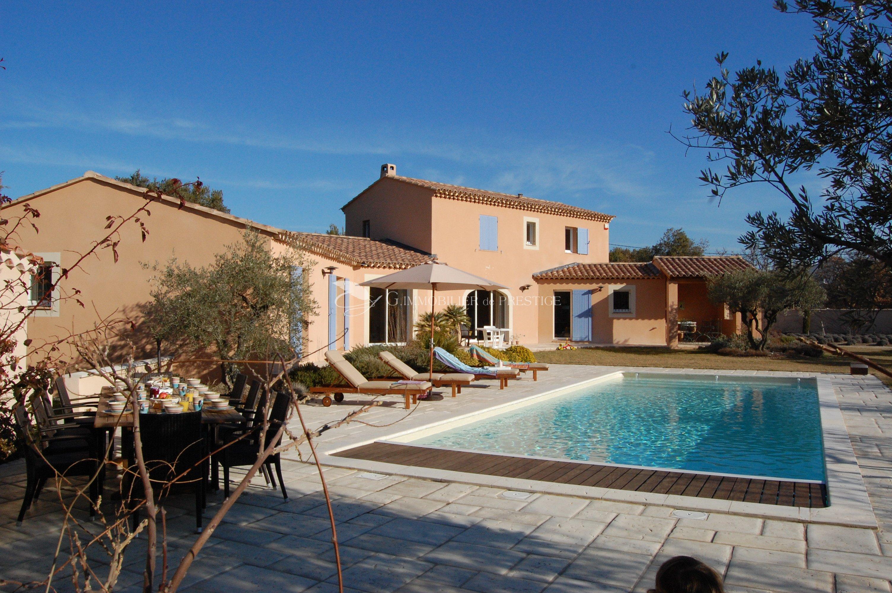 Vaucluse pernes les fontaines villa villas et maisons de for Villa et prestige