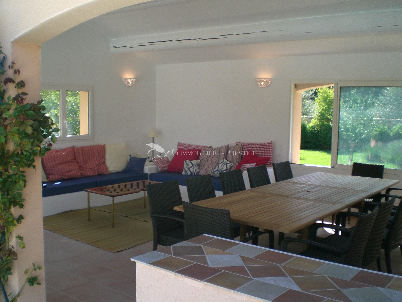 Immobilier prestige vaucluse pernes les fontaines villa for Villa et prestige