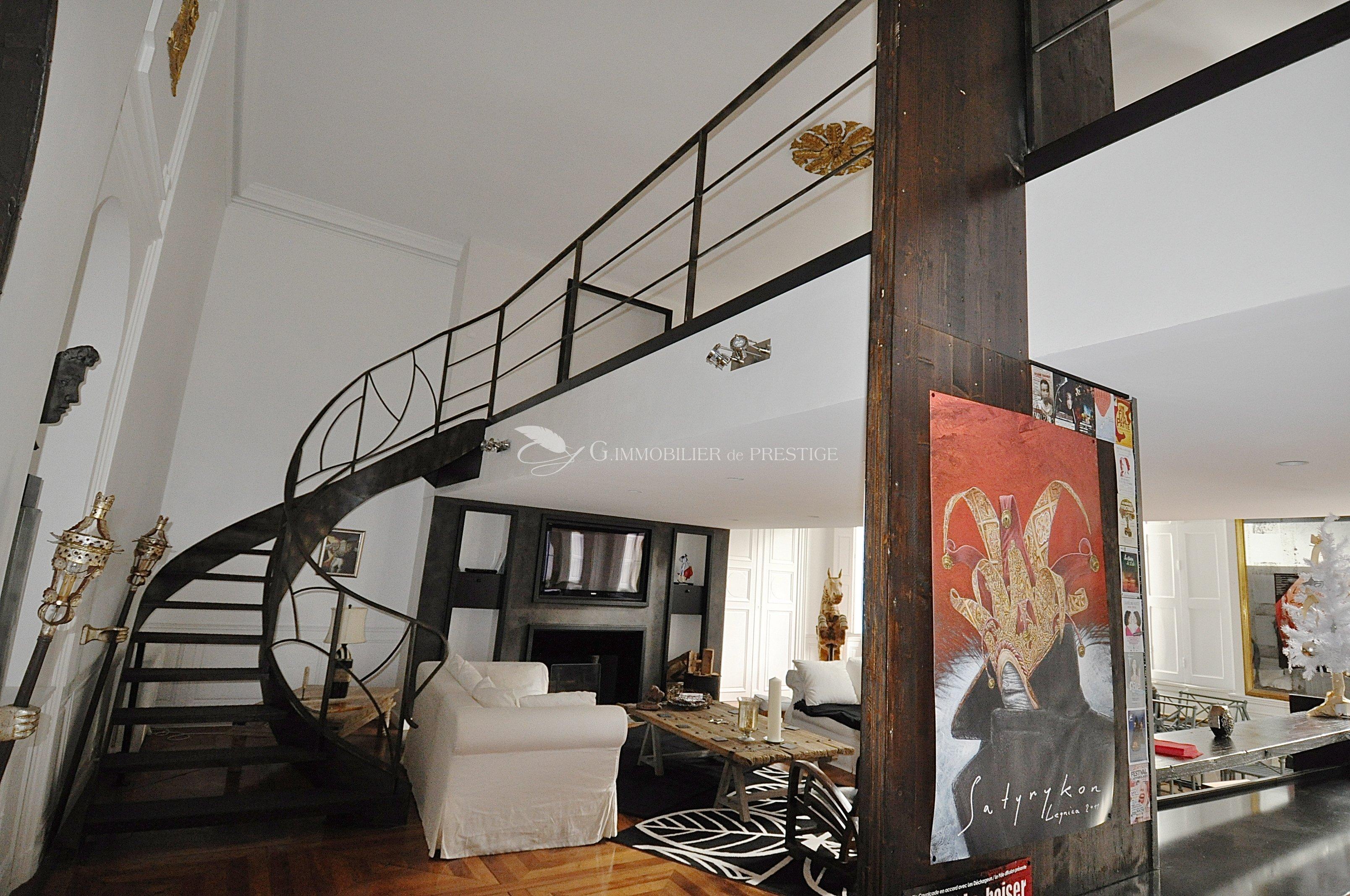 immobilier prestige vaucluse avignon h tel particulier avec loft et appartement ind pendants. Black Bedroom Furniture Sets. Home Design Ideas