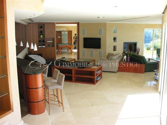 g immobilier de prestige houses and mansions. Black Bedroom Furniture Sets. Home Design Ideas