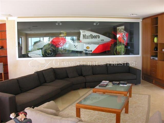 villefranche sur mer propri t avec maison de gardien villas et maisons de village. Black Bedroom Furniture Sets. Home Design Ideas