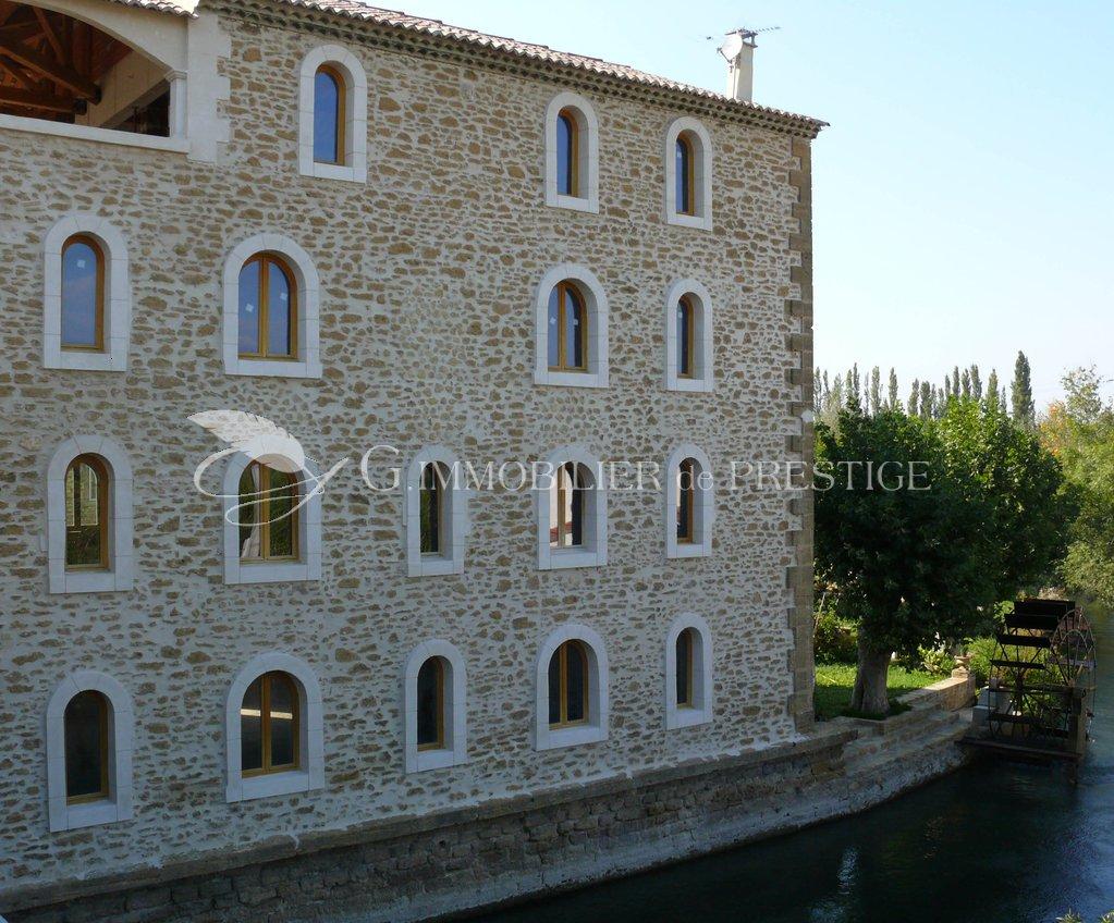 Vaucluse entraigues propri t de prestige appartements for Immobilier prestige appartement