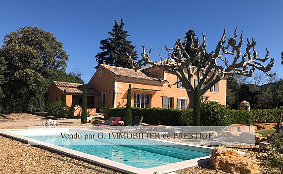 [G. Immobilier de Prestige] Un mas restauré au milieu des vignes dans un environnement exceptionnel