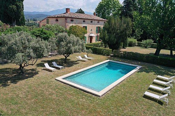 [G. Immobilier de Prestige] Uniquement chez nous une belle bastide avec un ancien corps de ferme, piscine et bassin