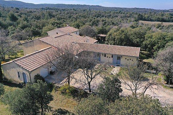 [G. Immobilier de Prestige] Une belle demeure avec gîte dans un cadre naturel exceptionnel