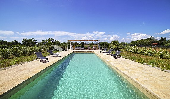 [G. Immobilier de Prestige] Espagne, Majorque, Maison de campagne avec jardin et piscine